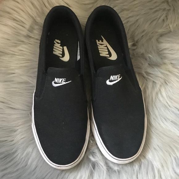 Nike Shoes | Euc Nike Navy White Slide